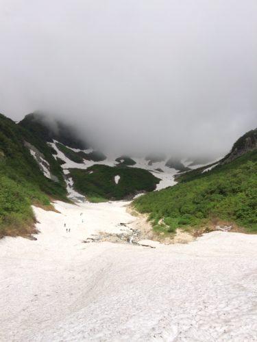 槍沢ルート登り雪渓