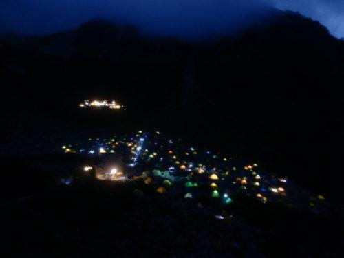 涸沢カールテント場夜景