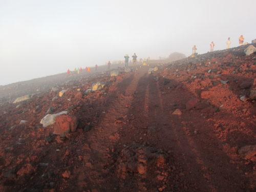 富士山山頂ご来光2