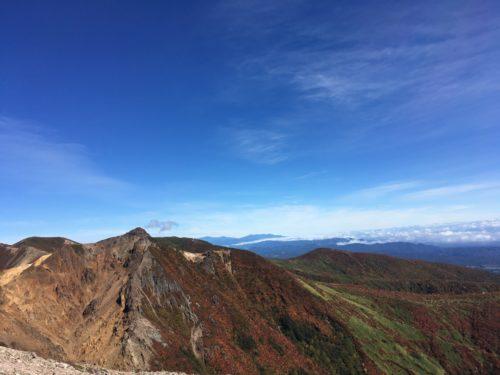 那須岳登山からの朝日岳