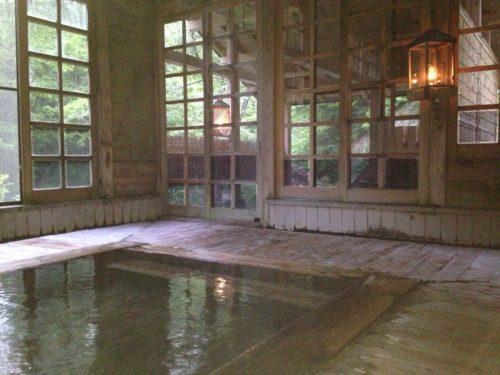 ランプの宿青荷温泉健六の湯内湯