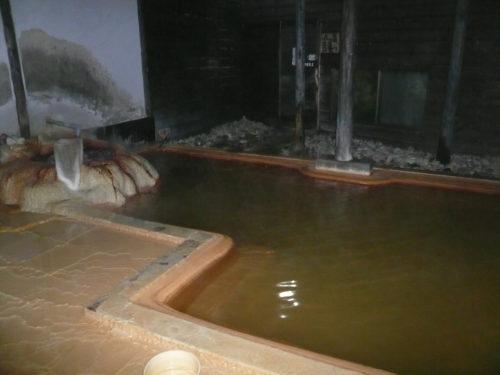 弓ヶ浜温泉湯楽亭の析出物