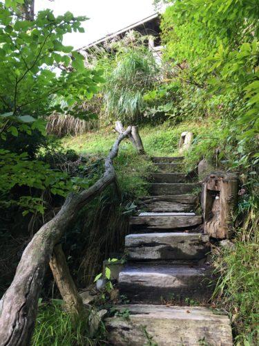 鷹の湯野天湯への階段