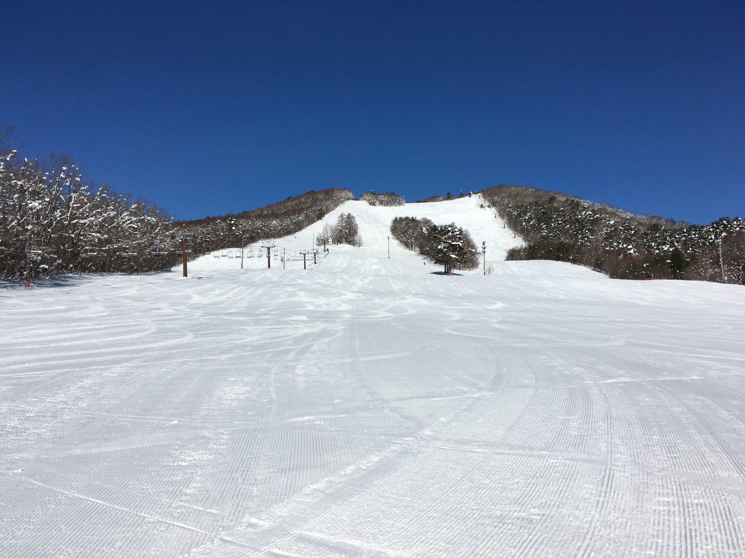 泉ヶ岳スキー場全体