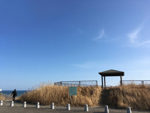 海岸あずまや