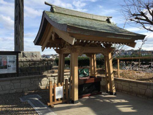 蕪島神社境内